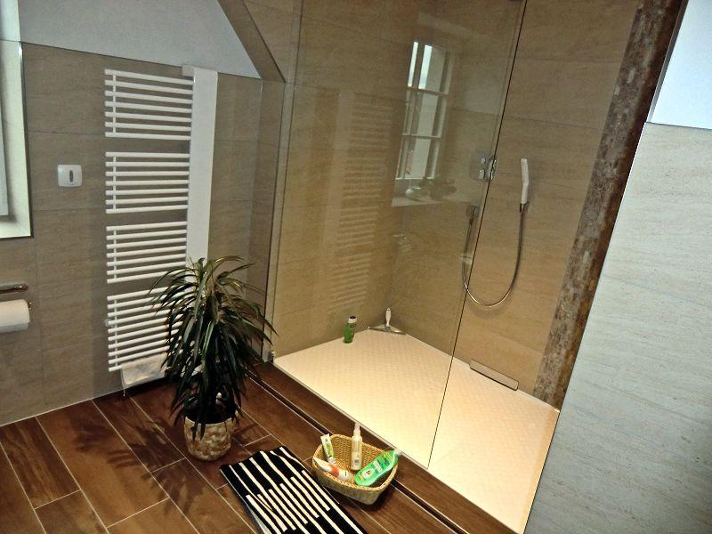 dusche wandablauf duschen tipps zum trend with dusche wandablauf simple fr wandablauf fr. Black Bedroom Furniture Sets. Home Design Ideas