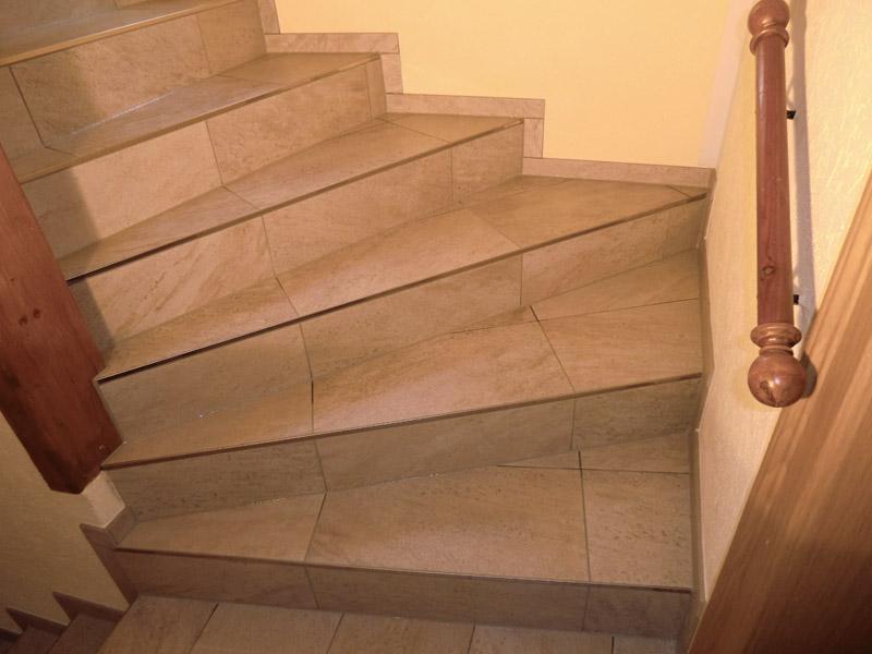 Fliesenlegermeister j rg reck fliesen und - Treppe fliesen mit schiene anleitung ...